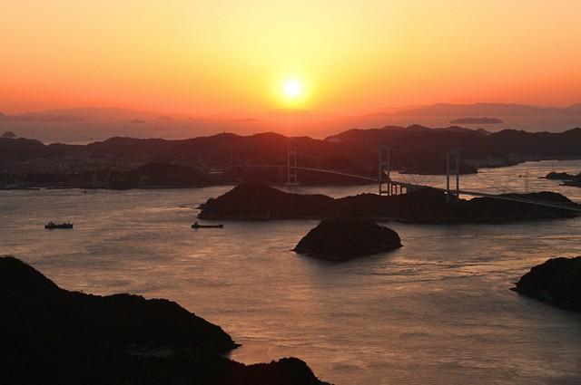 大島・亀老山展望台